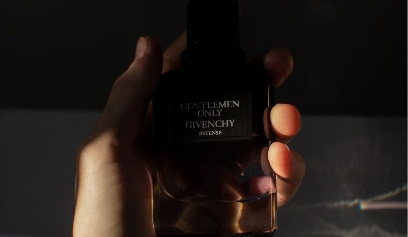 Är hudvård och parfymer bara för kvinnor?