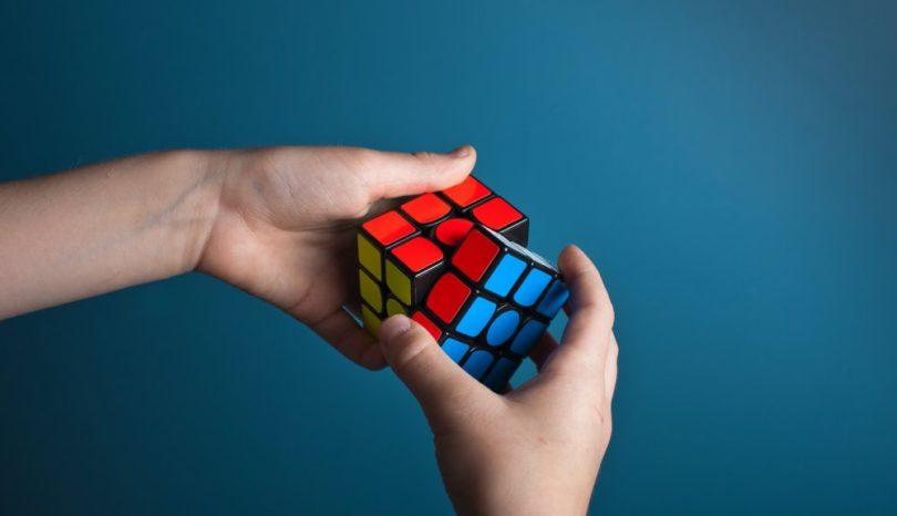 Slopa skärmen och upptäck kuben